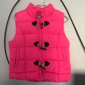 Hot pink puffer vest 💖💖💖😌